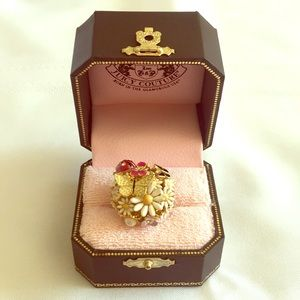 Juicy Couture Spring Fashion Ring